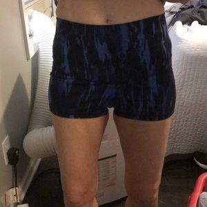 Lulumon workout shorts
